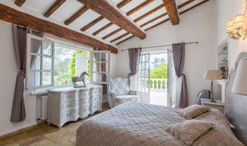 Sale - Apartment Roquefort-les-Pins