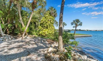 5030 SUNRISE DRIVE S, SAINT PETERSBURG, FL 33705 MLS#:U8065894