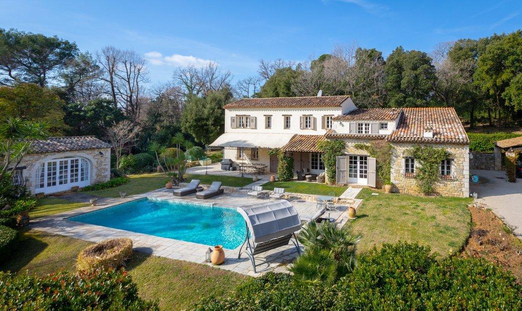 Sale - Property Valbonne