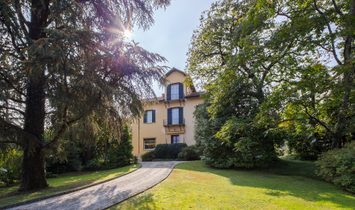 Historic Villa In The Middle Of Stresa