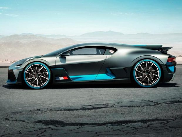 2020 Bugatti Divo  (10757617)