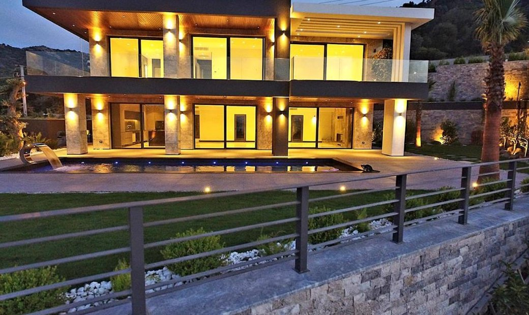 Phantastic modern and luxurious sea view villa in Bodrum