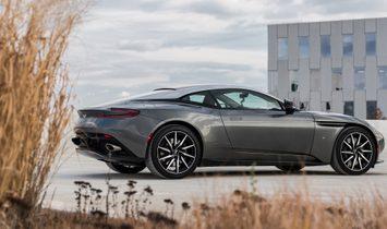 2017 Aston Martin DB11 rwd