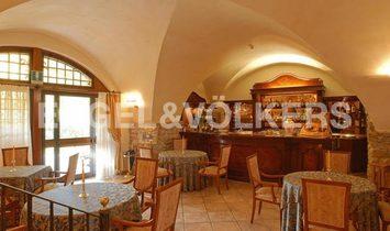Big Property with Relais & Restaurant