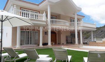 Magnificent villa with fantastic views in Costa Adeje