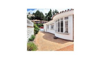 Villa 4 Bedrooms Triplex For sale Málaga