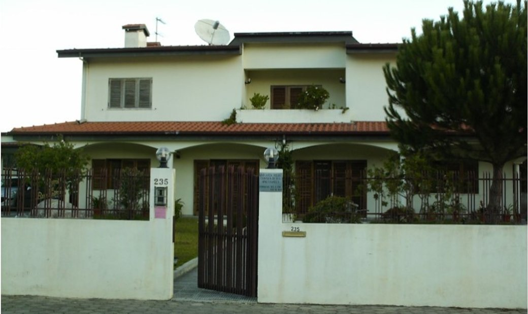 House 8 Bedrooms For sale Vila Nova de Gaia