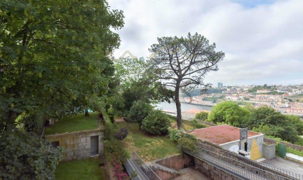 Porto terraced house