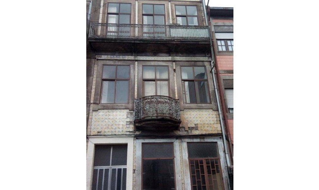 Building For sale Porto