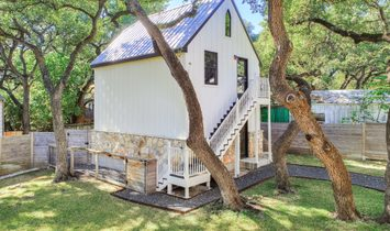 Charming Storybook Farmhouse In Sought After Bouldin