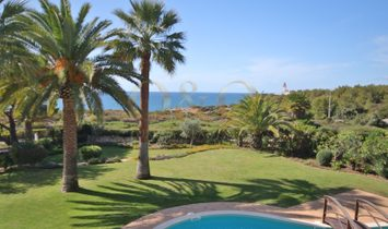 5 Bedroomed Villa with front line sea views.