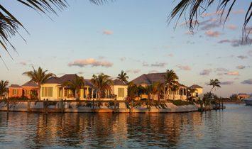 Post House  Artist's Petite Paradise