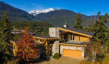 3855 SUNRIDGE COURT, Whistler, BC V8E 0W1 MLS#:R2421507