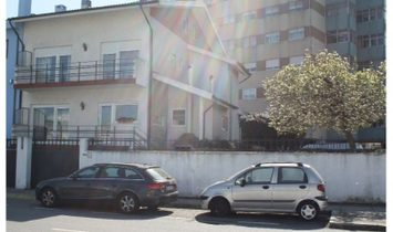 House 3 Bedrooms For sale Matosinhos