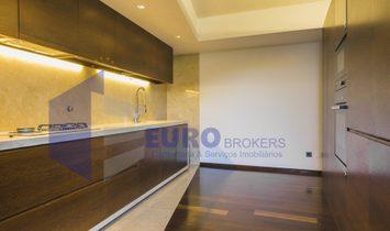 House T4 DUPLEX Sell em Ramalde,Porto