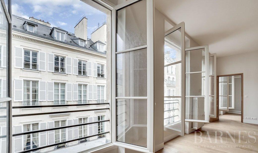 Sale - Apartment Paris 6th (Saint-Germain-des-Prés)