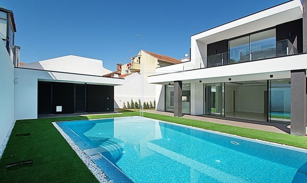 Detached house new T4 on land of 550m2-Santo António Ada Caparica