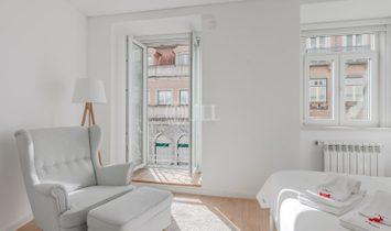 3-bedroom apartment with parking in Estrela, Lisbon