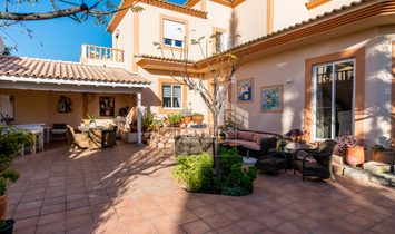 Sale of villa with sea and mountain views in Loulé, Algarve, Portugal