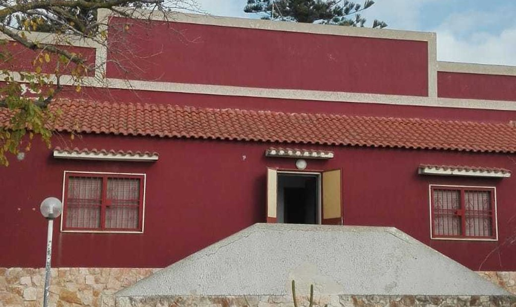 Ancient villa in the countryside, not far from the sea.
