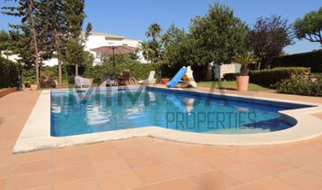 Fantastic 5 + 4 bedroom villa with pool located in Belmonte near Portimão