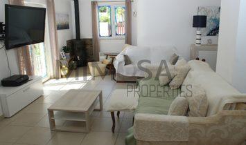 Beautiful spacious three bedroom villa with pool in Atalaia