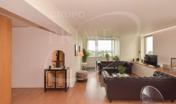 Apartment 4 Bedrooms For sale Porto