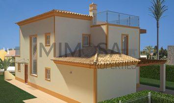 Contemporary three bedroom villa with pool in Praia da Luz