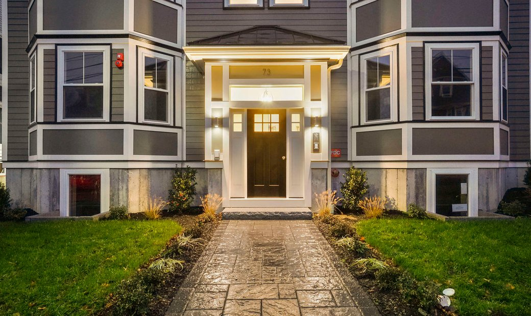 Stunning Condo Newly Constructed