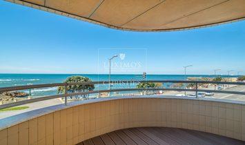 Sale of waterfront apartment w/ ocean views, Foz do Douro, Portugal