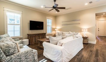 Open Concept Beach Cottage With Wheelchair Friendly Features