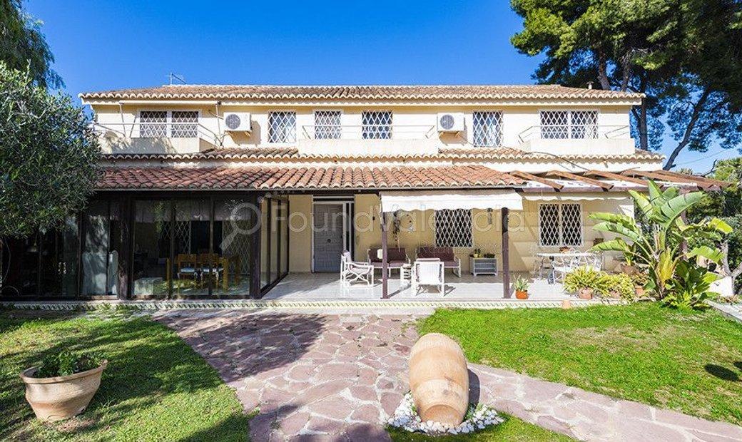 Villa with guest house for sale in Santa Apolonia (Valencia)