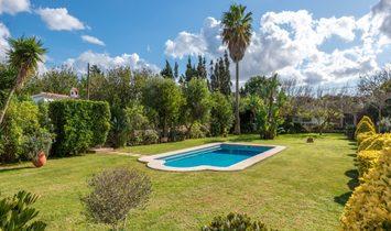 Single Family Villa With Exquisite Garden Near Alaior
