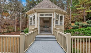Charming And Bright Updated Home In The Gated Section Of White Columns