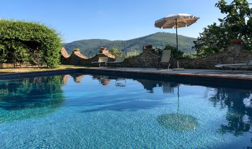 Elegant country house with pool in Cortona, Tuscany