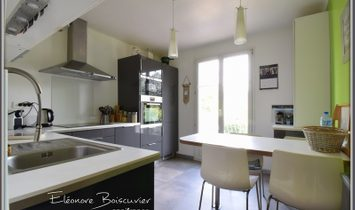 FUVEAU house view Ste Victoire, 3 bedrooms on 2100 m² with swimming pool and garage
