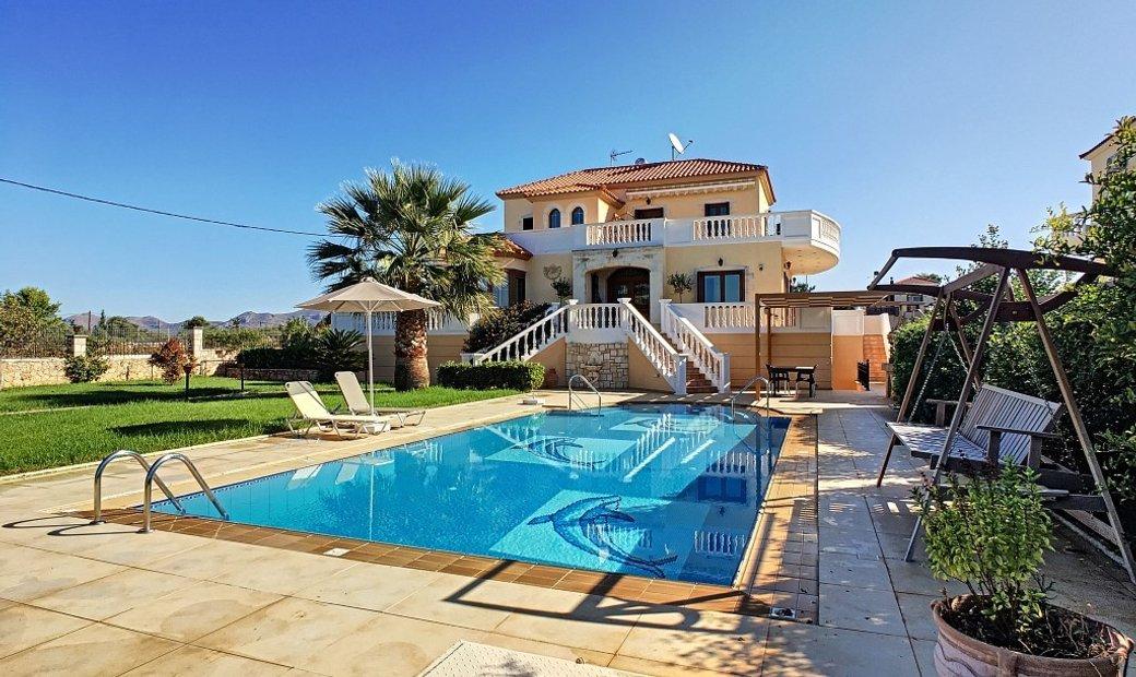 Villa 270 sqm in Crete, Greece