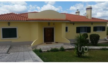 4 bedrooms Farmhouse for Sale