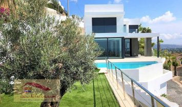 Benissa, Stunning south facing villa with panoramic sea view