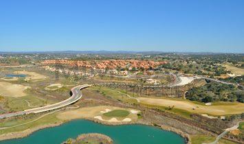 Fantastic three bedroom villas inserted in golf resort near Silves