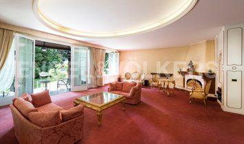 Elegant and refined Liberty villa