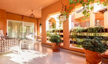 MAGNIFICENT 3 BEDROOMS SUPERLUXURY APARTMENT IN ALHAMBRA URBANIZATION RS