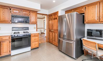 Terriffic Opportunity In A Great Location