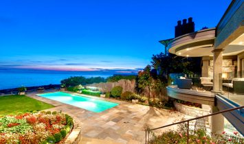 WORLD CLASS WATERFRONT ESTATE WITH SPECTACULAR OCEANVIEWS & LEVEL BEACHFRONT ACCESS!