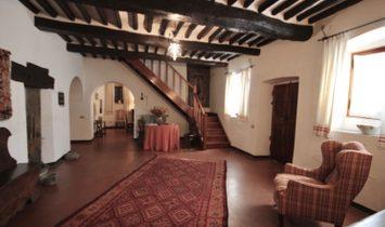HISTORIC COUNTRY VILLA IN TUSCANY