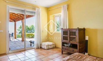 Blanes House / Villa