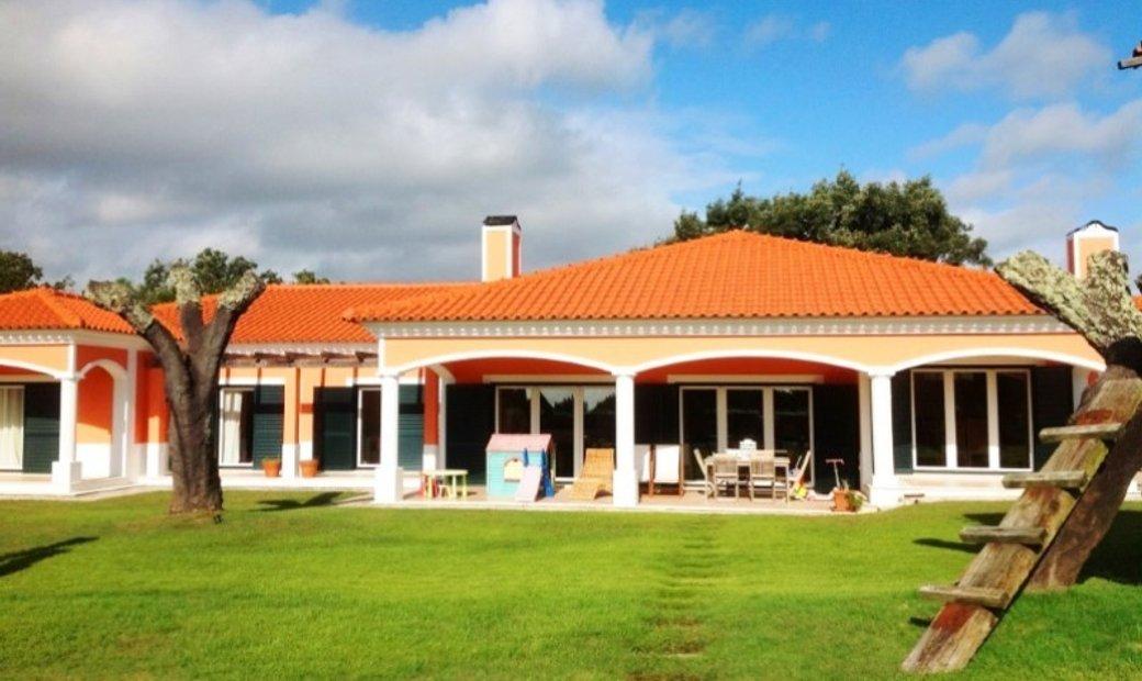 Modern Farm in the Tejo valley next to Lisbon