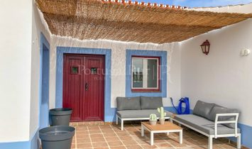 Alentejo farm with 14 ha, beautiful house, stables and paddock