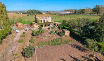 Canet de la Tallada House / Villa