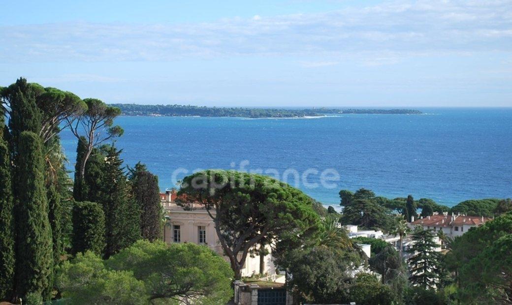 Dpt Alpes Maritimes (06), for sale CANNES T5 apartment of 242 m²